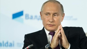 mbenach40604299 russian president vladimir putin gestures as he speaks durin171020210924