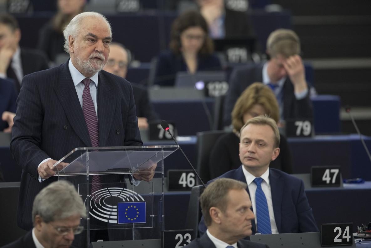 El primer ministro de Malta, Louis Grech, en el Parlamento europeo.