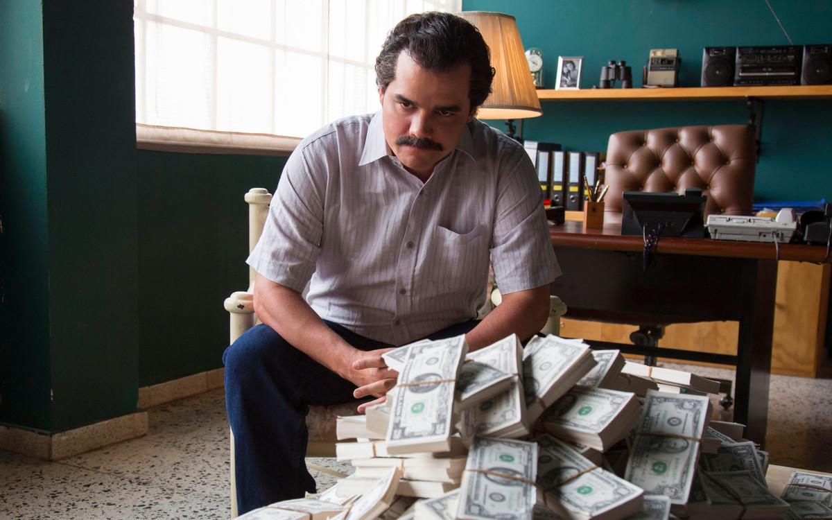 El actor Wagner Moura interpreta a Pablo Escobar en la serie 'Narcos', la serie de Netflix que más 'maratones' acumula en España.