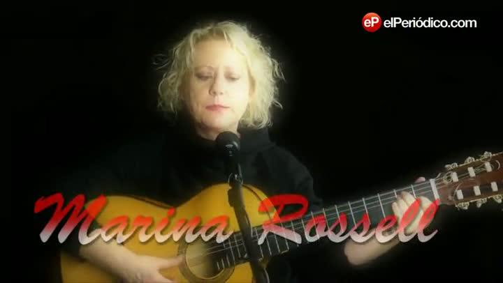 La cantante Marina Rossell interpreta la canción El metec para EL PERIÓDICO.