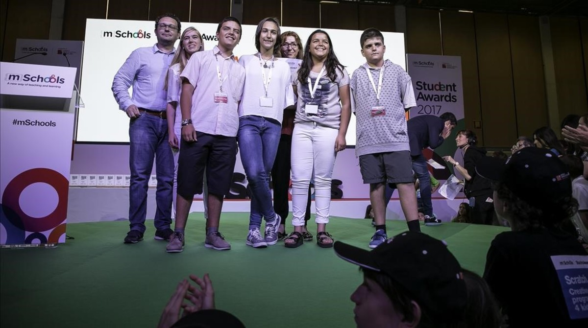 Alumnos del Institut La Valira, de La Seu dUrgell, premiados en el concurso mSchools.