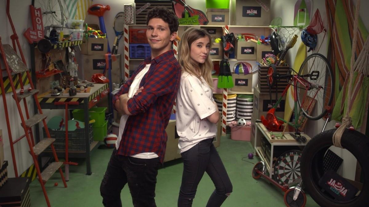 Chim y Rebeca Stones, en el plató del programa de Disney Channel Jaja show.