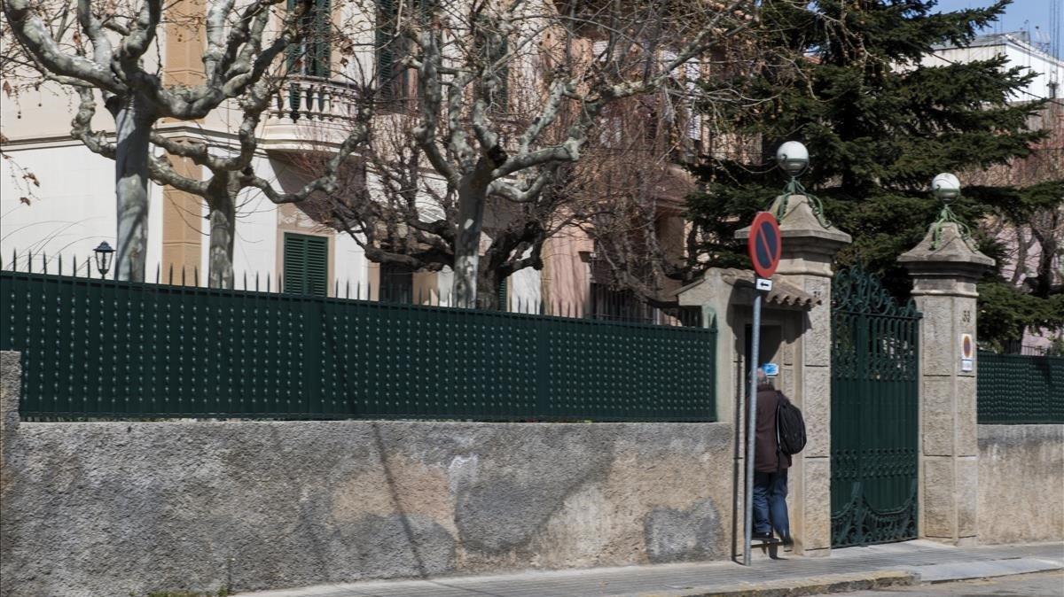 Residencia en el numero 31-33 de la calle Margenat, propiedad de los jesuitas,donde reside el padre Sala.