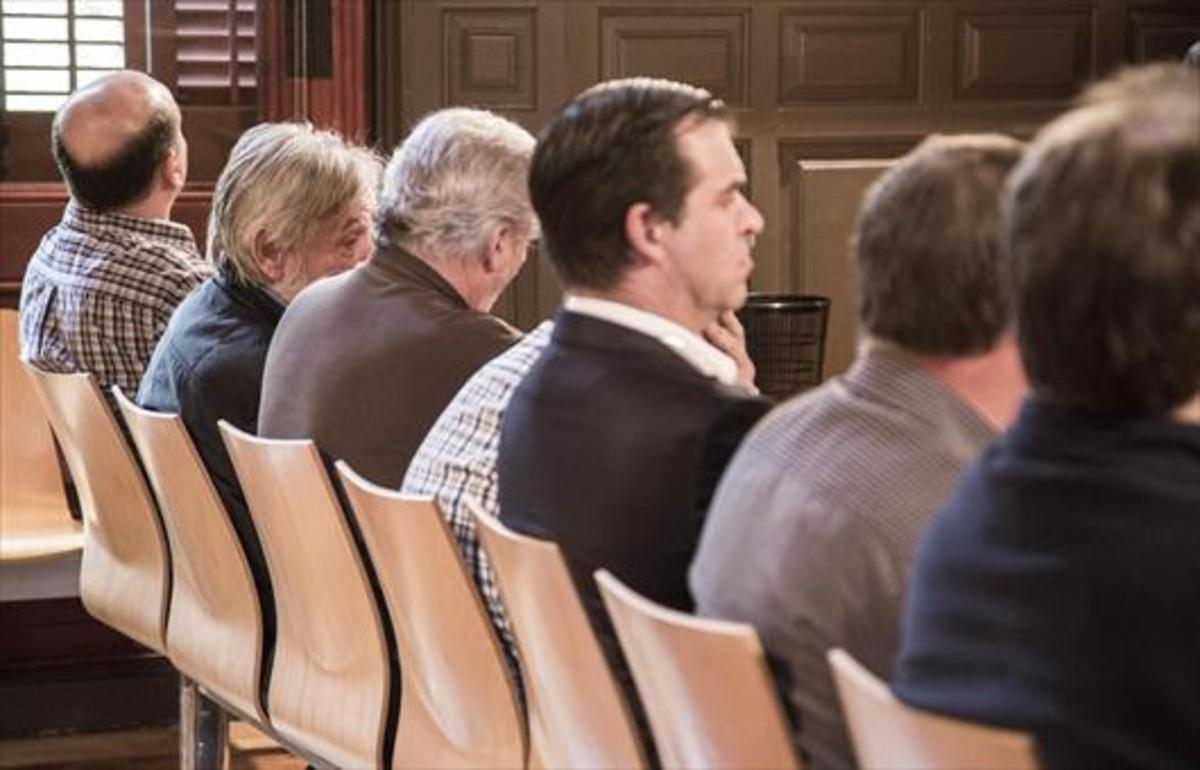 El constructor José Antonio Salguero, en el banquillo junto a otros imputados.