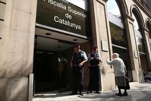 CONTROVERSIA Dos Mossos ante la Fiscalia Superior de Catalunya.