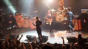 Eagles of Death Metal, durant la seva actuació a la Bataclan abans de latac terrorista.
