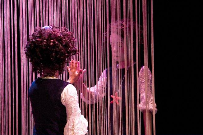 La galardonada obra de teatro Estrella se representa en el SAT.