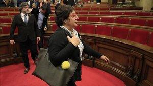La 'exconsellera' de Treball, Dolors Bassa, durante un plen en el Parlament el pasado 22 de marzo.