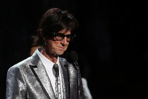 FILE PHOTO: Rock & Roll Hall of Fame Induction - Show - Cleveland, Ohio, U.S., 14/04/2018 - Ric Ocasek of The Cars speaks on stage. REUTERS/Aaron Josefczyk/File Photo