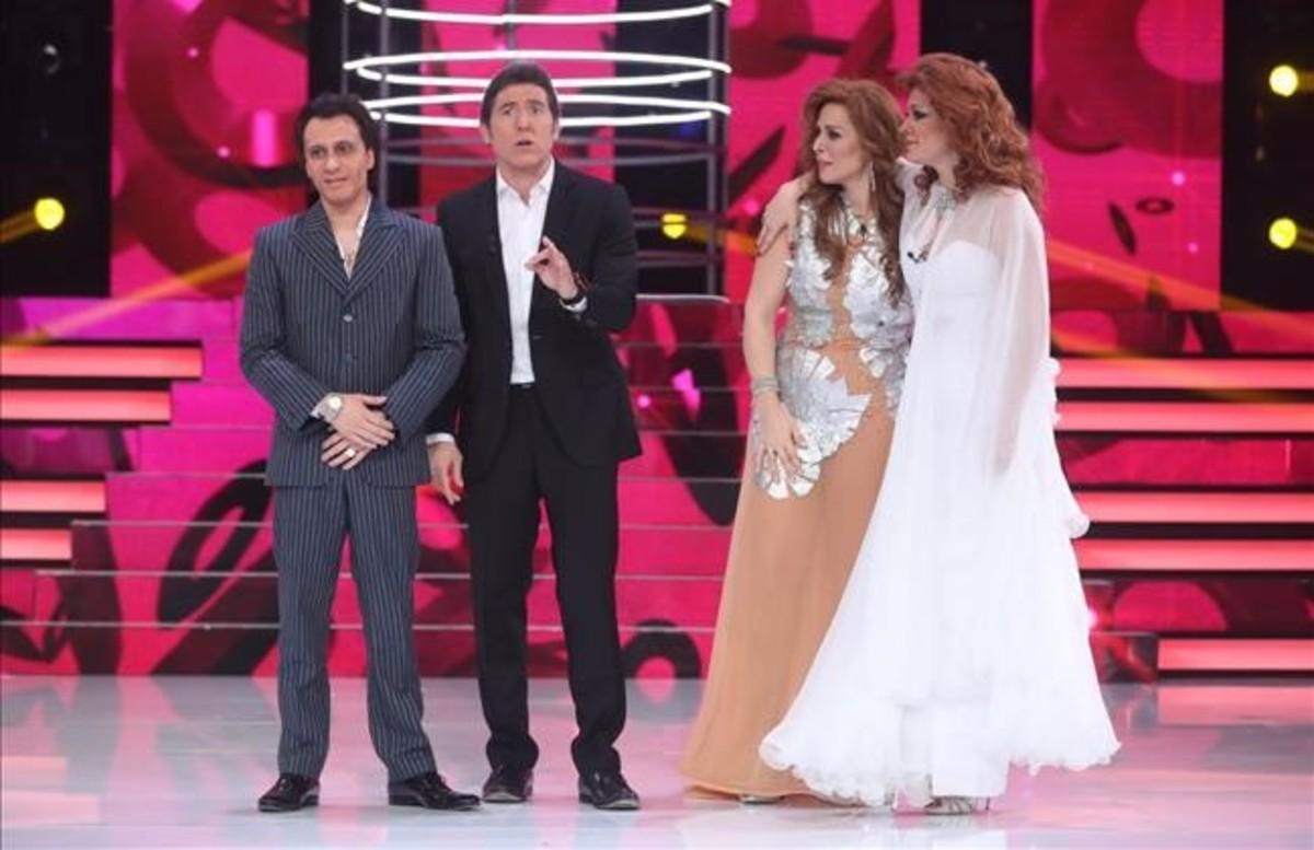 Blas Cantó, el presentador Manel Fuentes, Rosa López y Lorena Gómez, en la final de Tu cara me suena.