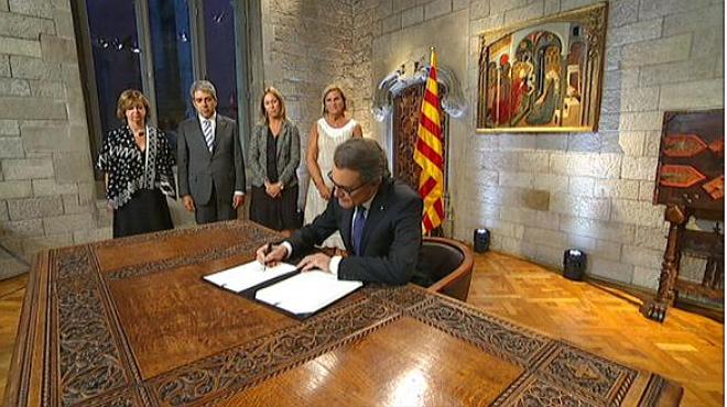 El 'president' Artur Mas disuelve el Parlament y convoca elecciones para el 27-S