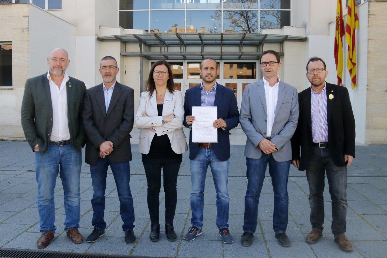 """Alcaldes d'ERC del Maresme presenten una denúncia conjunta per """"l'assetjament constant de grups violents d'extrema dreta"""""""