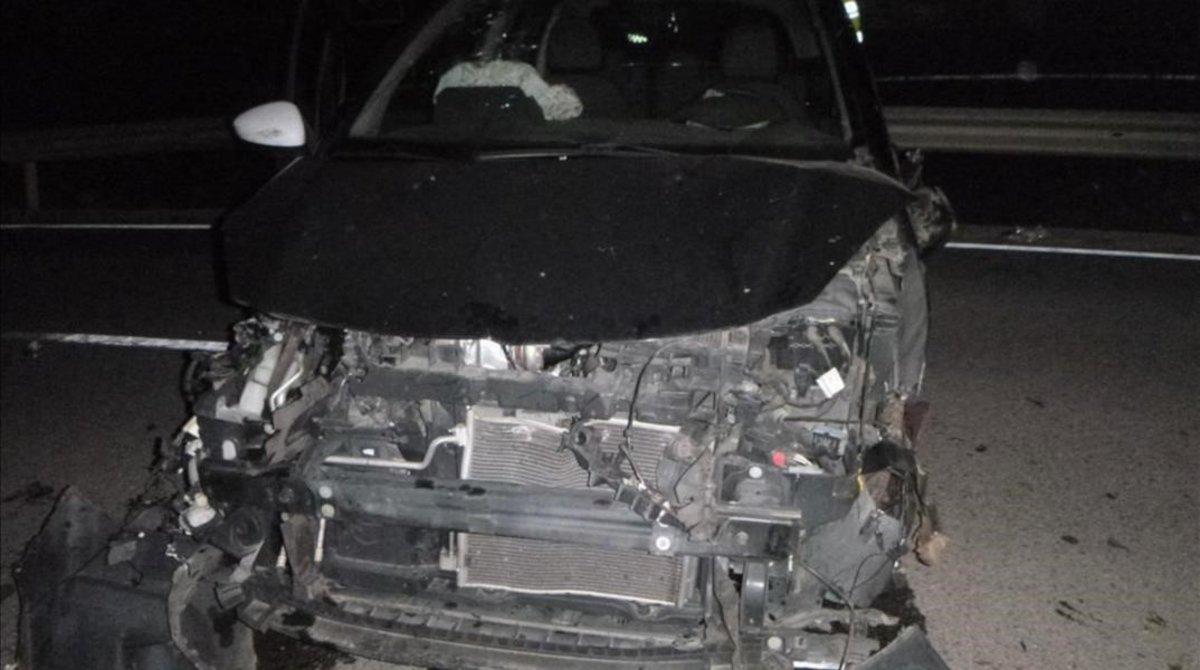 Frontal de uno de los coches implicados en el accidente.
