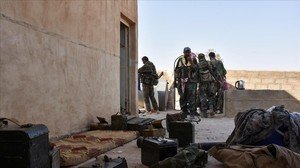 Fuerzas gubernamentales sirias en las inmediaciones de Deir Ezzor.