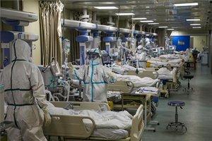 Pacientes con coronavirus en un hospital.