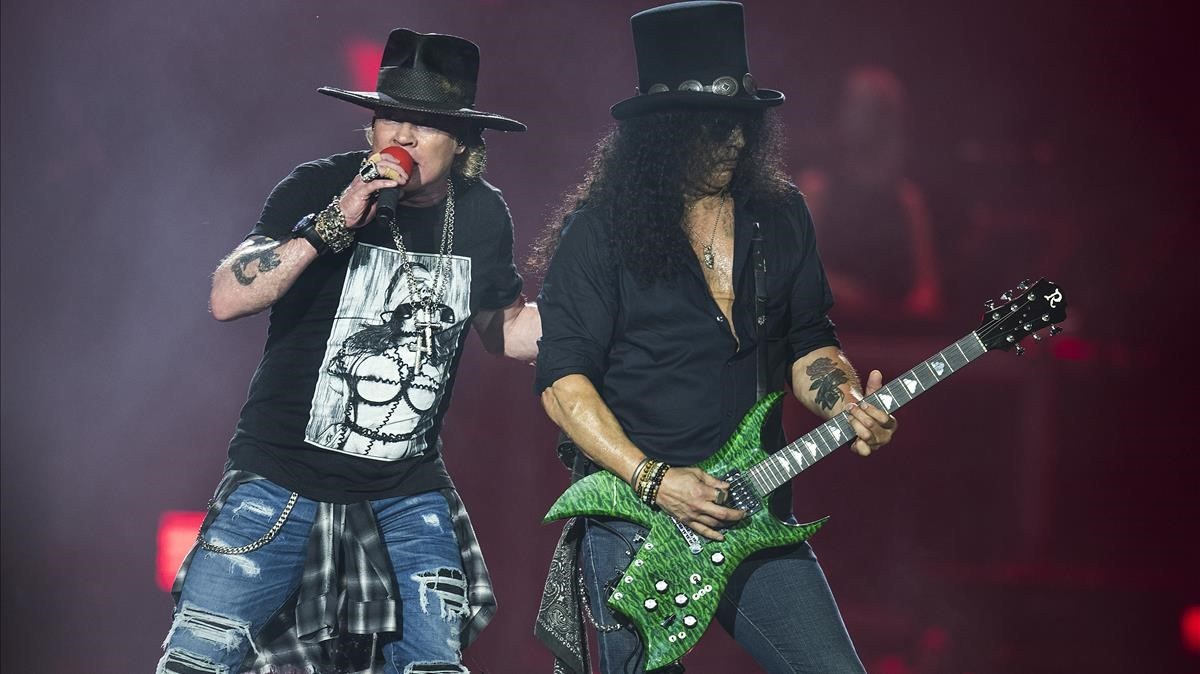 Axl y Slash, de Guns nRoses, en el Estadi Olímpic de Barcelona.