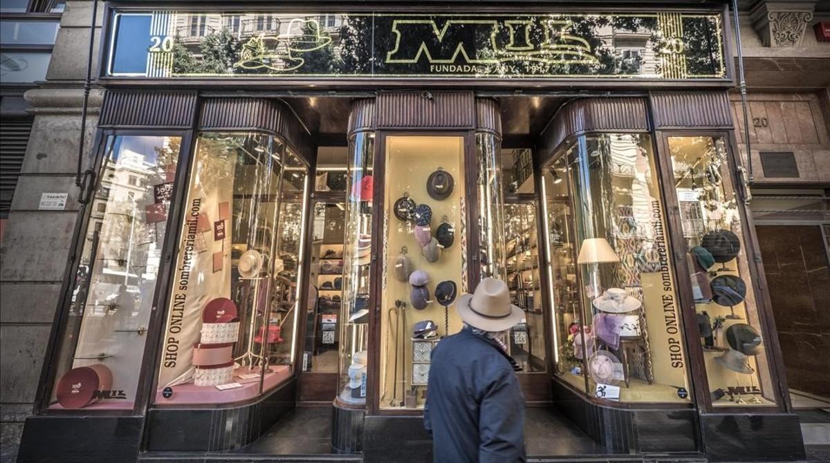 El escaparate de la sombrerería Mil fe0c968ff8f