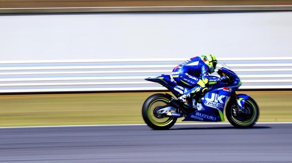 El italiano Andrea Iannone (Suzuki) ha sido hoy el más veloz en los penúltimos ensayos de la temporada en Doha (Catar).