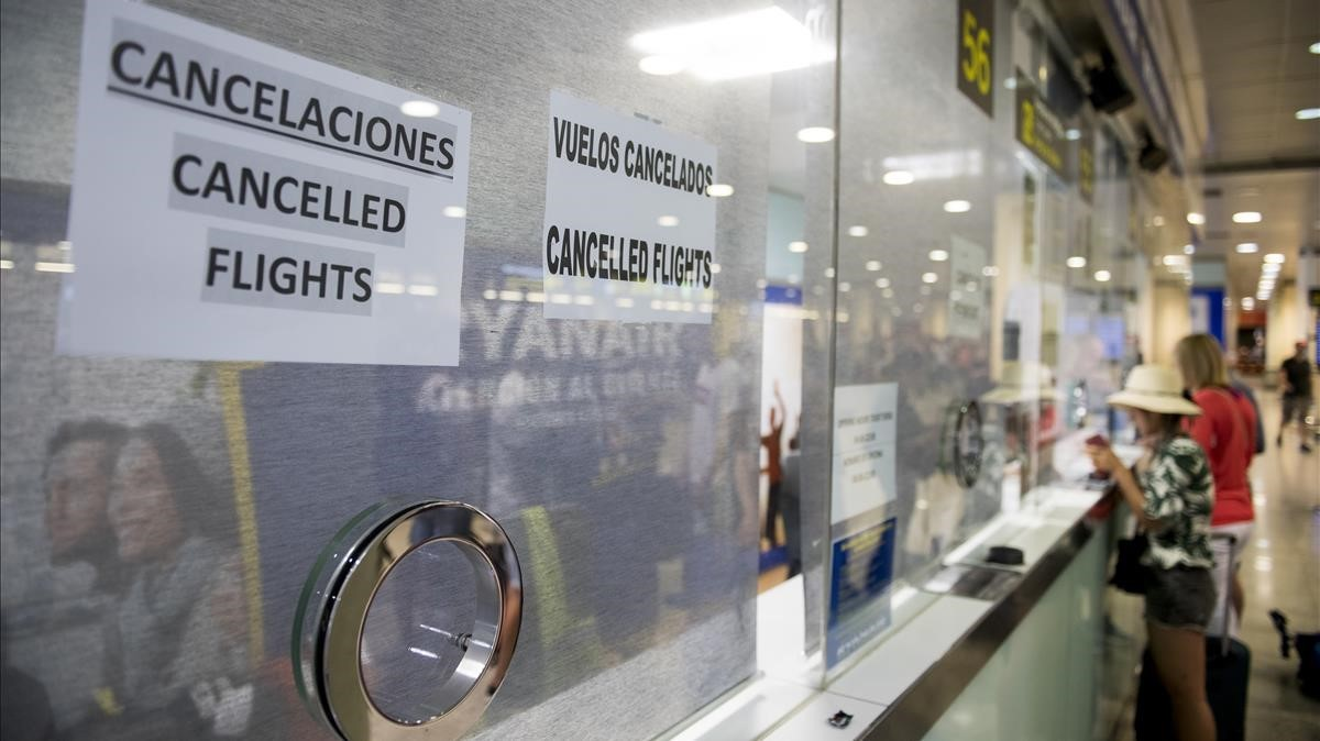 Ryanair ha enviado casi 200 cheques de compensación sin la firma de autorización por error.