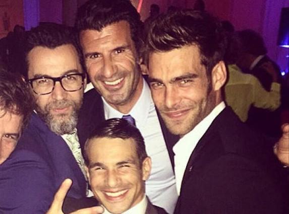 Jon Kortajarena, José Marí Manzanares, Luis Figo y el chef Quique Dacosta posan en una foto para Instagram.