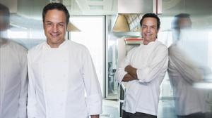 Los chefs Javier y Sergio Torres.