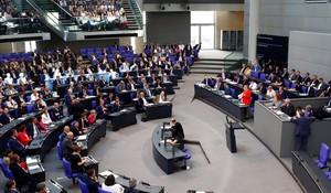Merkel, durante su intervención en el Bundestag, en Berlín.