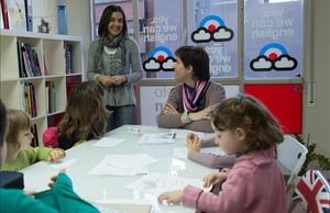 Clase de inglés extraescolar en un centro de idiomas de Lleida.