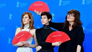 Natalia de Molina, Greta Fernández e Isabel Coixet, en la presentación de Elisa y Marcela en la Berlinale