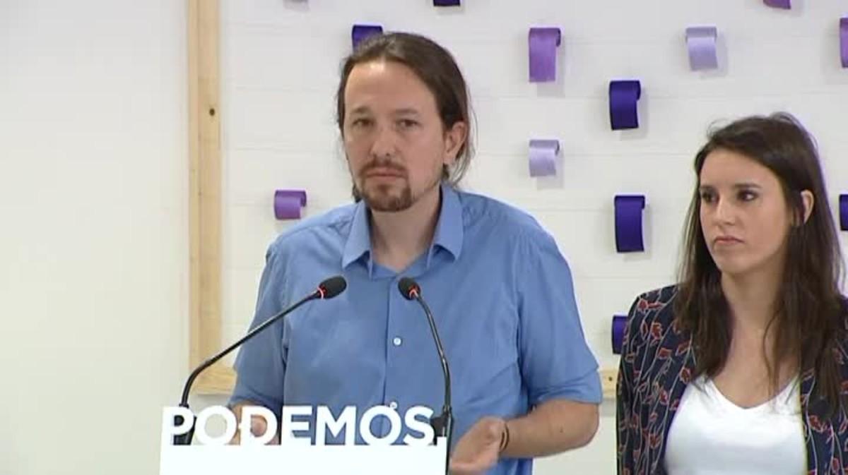 Pablo Iglesias i Irene Monteroanuncien una consulta per decidir si han de continuar o no al capdavant dels seus càrrecs després de la polèmica del xalet