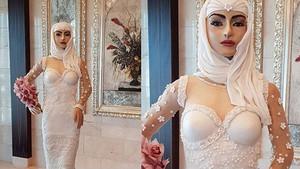 El pastel a tamaño natural de una novia árabe que se ha presentado en el salón The Bride Show, en Dubái.