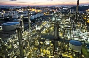 Refineria de petroleos de CEPSA en Palos de La Frontera (Huelva).