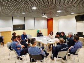 Reunión entre los bomberos de Gavà y la alcaldesa, Raquel Sánchez, este lunes