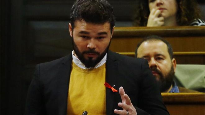 Rufián pregunta a Rajoy sobre el uso del preservativo.