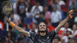 Tsitsipas gana a Djokovic en Shangay