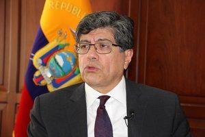 Ministro de Exteriores, José Valencia.