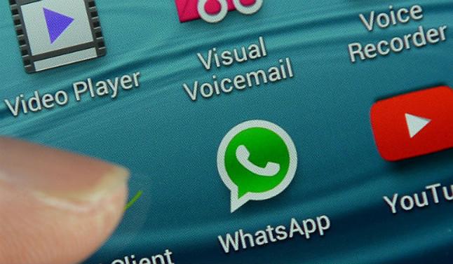 WhatsApp ya trabaja en la desactivación voluntaria del doble 'check' azul.