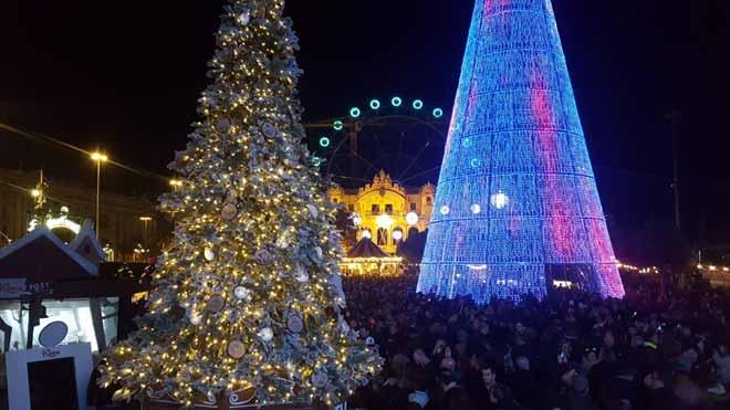 La Fura del Baus inaugura la primera fira de Nadal del Port Vell