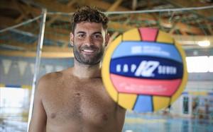 Xavi García posa para El Periódico, tras el entrenamiento del equipo croata