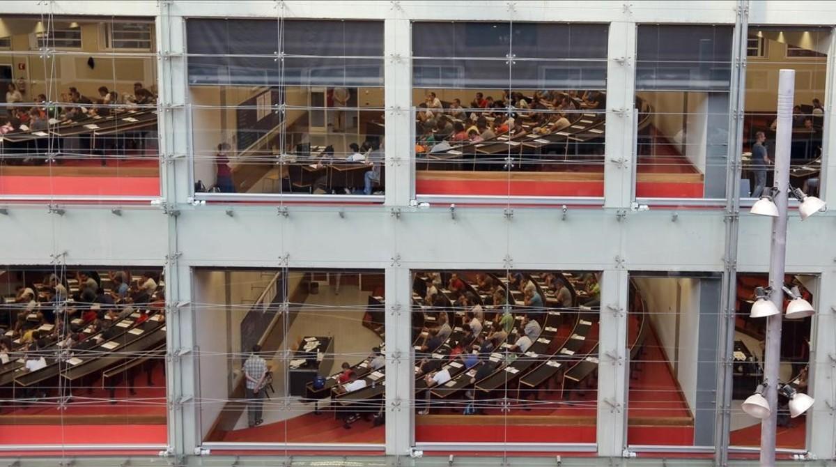 Aspecto de una jornada de exámenes en el campus de la Ciutadella de la UPF.
