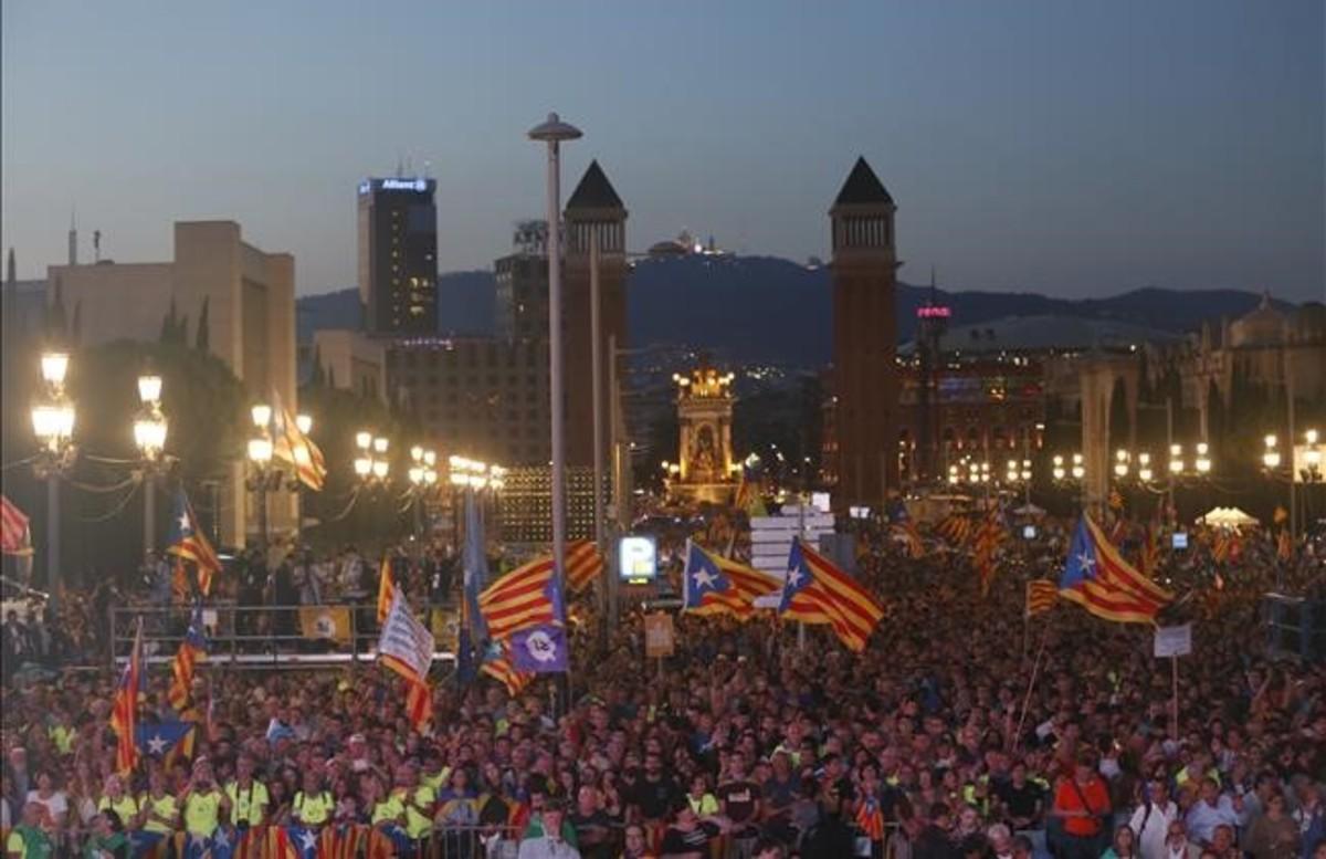"""La CUP avisa a los 'comuns': """"Roma no paga traidores"""""""