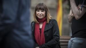 Delphine Crespo: «Van segellar un abocador sobre la fossa de la meva família»