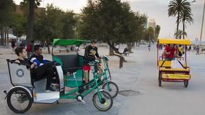 La jungla dels bicitaxis a Barcelona