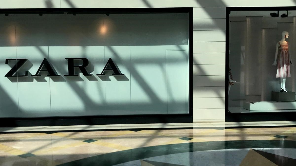 Inditex consigue otro récord de ventas, pero frena su ritmo crecimiento.