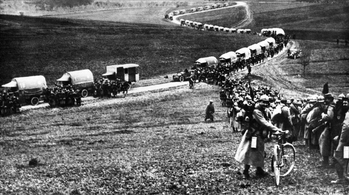 Movimiento de tropas francesas en Nixeville, durante la cruenta batalla de Verdún.