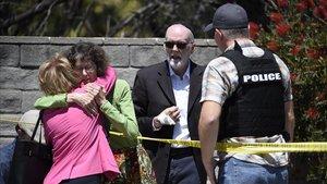 Almenys un mort i tres ferits en un tiroteig en una sinagoga de Califòrnia