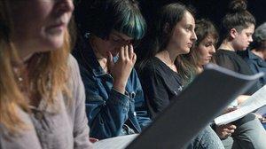 El judici contra tres germanes que van matar el seu pare violador commociona Rússia