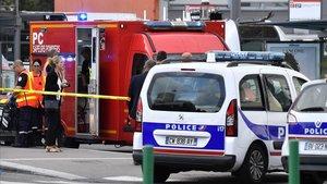 Un mort i nou ferits en un atac amb ganivet a Lió