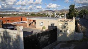La vivienda en la localidad granadina de La Zubia donde hallaron losdos cadaveres.