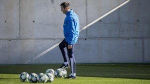 Albert Celades este martes en la última sesión de entrenamiento antes de recibir al Chelsea