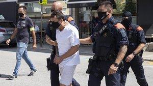 Uno de los detenidos en Santa Coloma de Farners este jueves.